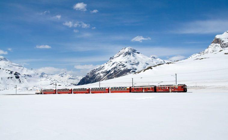 trenini rossi del bernina e dell'engadina