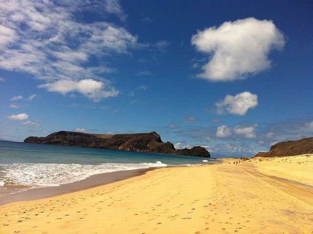in Portogallo una vacanza tra spiagge sterminate e natura lussureggiante