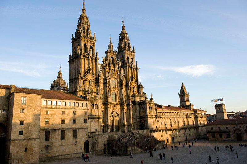 """ESPA""""A. CIUDADES PATRIMONIO DE LA HUMANIDAD. SANTIAGO DE COMPOSTELA. Catedral y plaza do Obradoiro."""