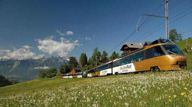 trenino verde delle alpi e golden pass panoramic
