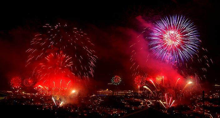 Capodanno con i fuochi d'artificio a madeira