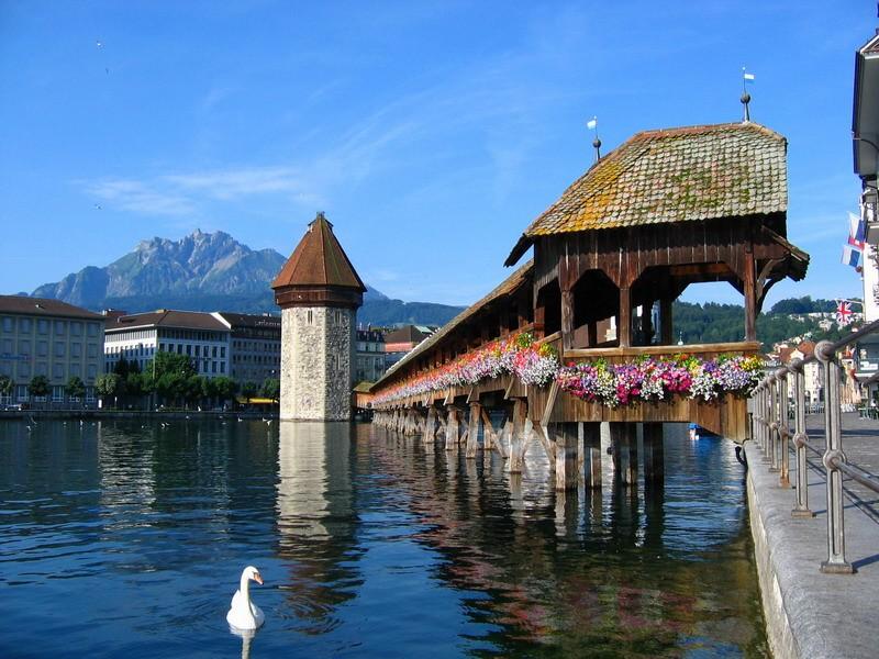 Svizzera in treno alla scoperta dei laghi