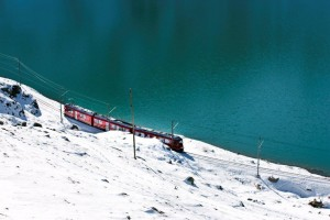 bernina trenino nella neve