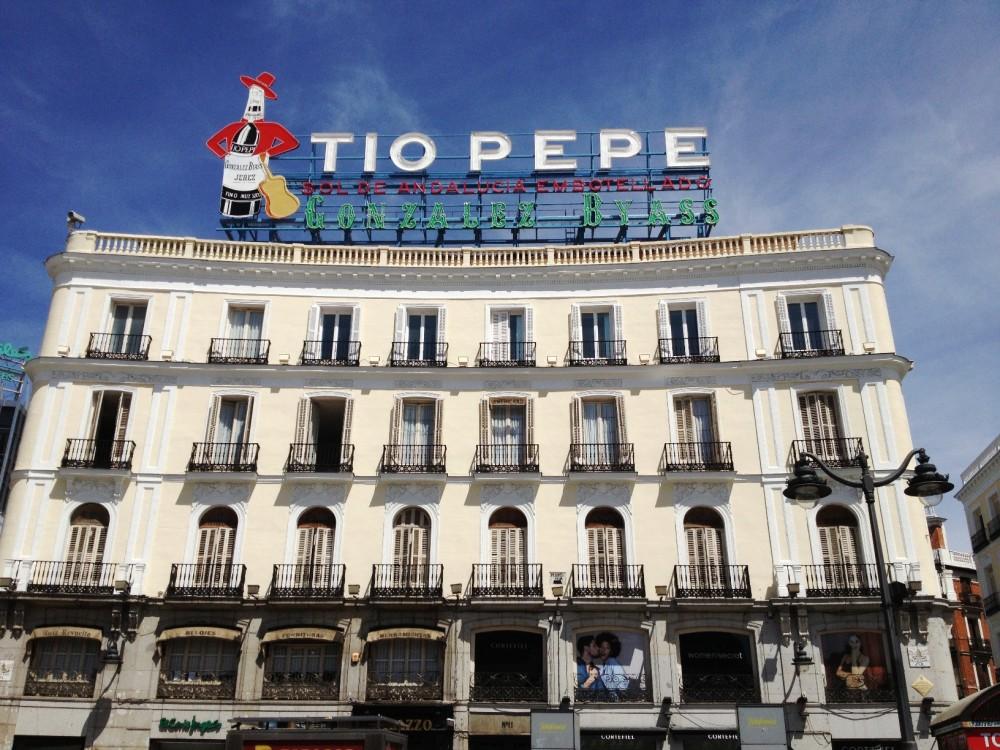 Barcellona valencia madrid zaragoza in gruppo per capodanno for Hotel barcellona 4 stelle