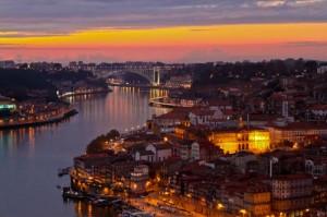 Tramonto sul fiume a Porto