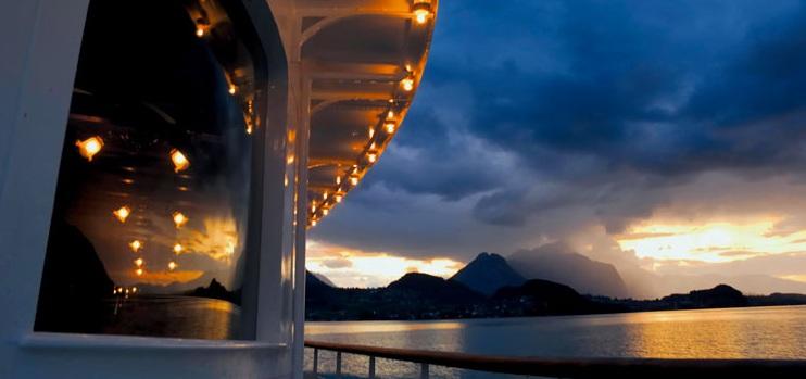 thun-battello-tramonto