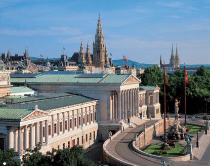 vienna-parlamento-e-cattedrale
